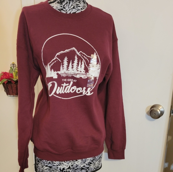 Sonoma the great outdoors maroon pullover